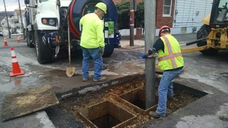 Manhole Repair - Hayes & 8th Street 11-5-2014